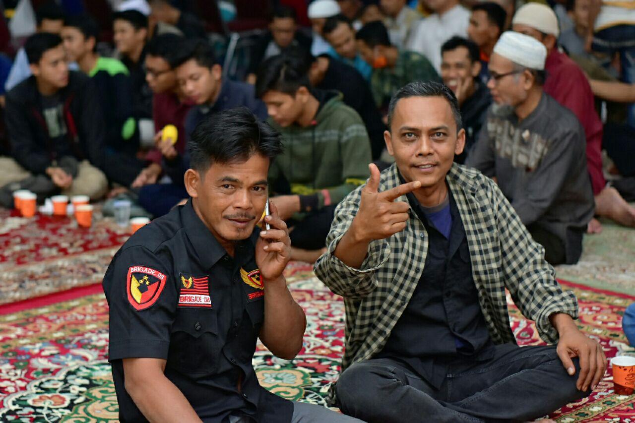 Usai Dilantik, Ketua DPRD Pekanbaru Hadiri Nonton Bareng ...